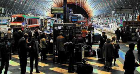 Syrian refugees stranded at Milan rail hub