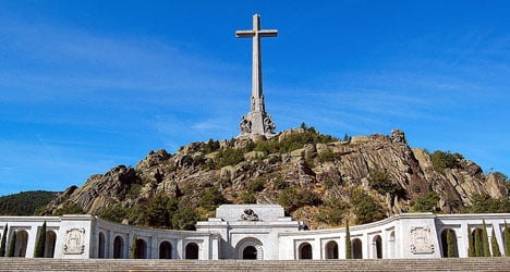'Dig up dictator Franco': Spanish socialists