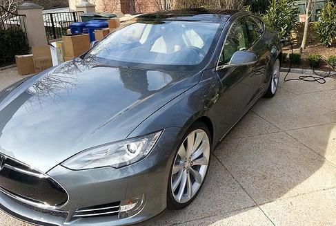 Tesla S tops new car registrations in Norway