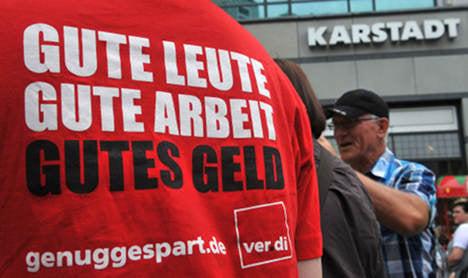 Karstadt stores hit by mass strike