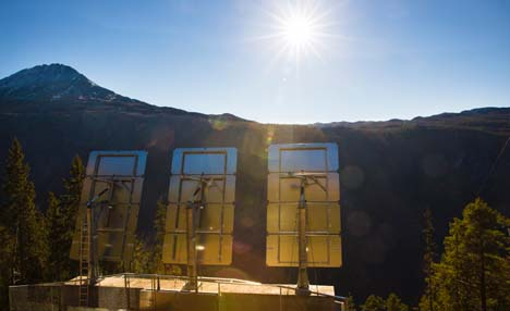 Huge mirrors bring sun to Norwegian village
