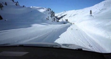 Passes close as snow strikes Swiss mountains