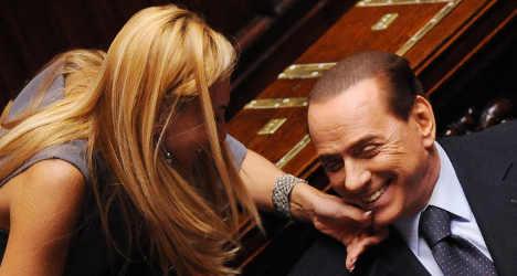 Berlusconi 'kamikaze' protests government exit