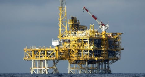 Spain links 'microquakes' with offshore gas plant