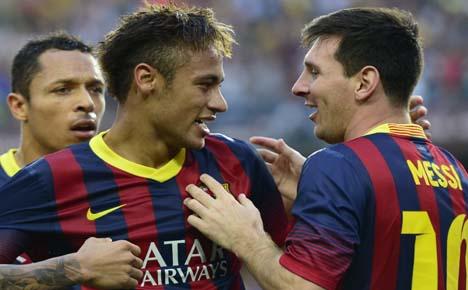 Bale flops as Neymar shines in Barca win