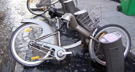 Velib' vandals puncture Paris bike scheme