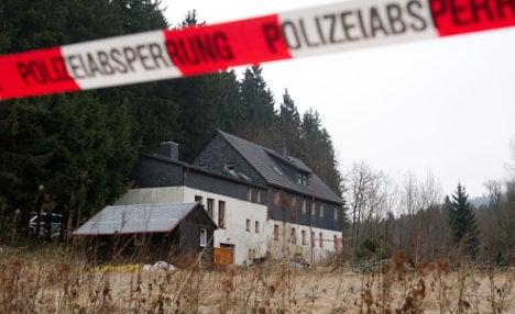 Policeman 'killed man he met on cannibal site'