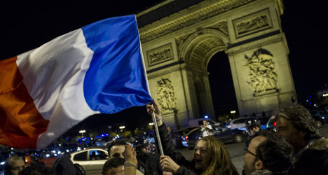 VIDEO: Les Bleus put a smile on French faces