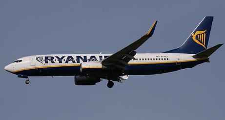 Ryanair steps up flights in Italy as Alitalia suffers