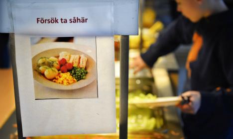 Agency backs halal meat in school lunch spat