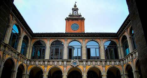 Bologna professor 'gave cocaine to students'