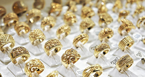 Fake police target Spain's unluckiest jeweller