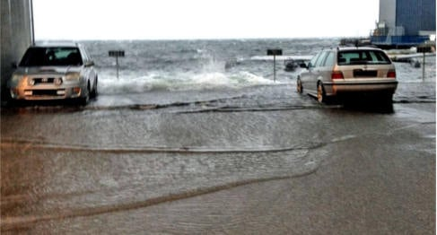 VIDEO: Storm batters Norway's south coast