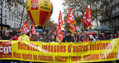 French to work longer as pension reforms adopted