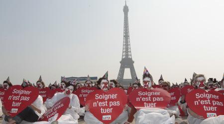 Hollande urged to make assisted suicide legal