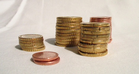 Unions slam €12 a month rise in minimum wage