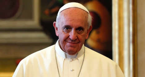 Pope celebrates birthday with the homeless