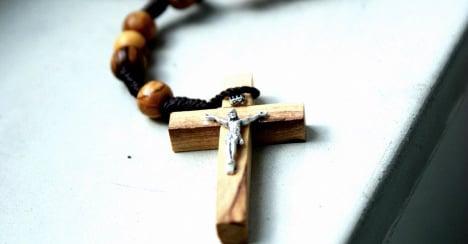 Pastor nets windfall after Catholic conversion