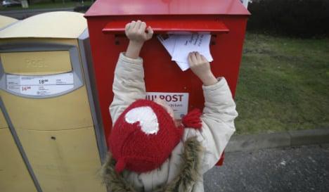 Christmas card warning after thief nabs postbox