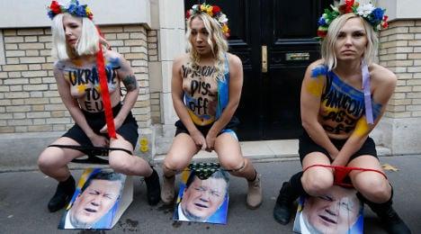 Photo of the day: Femen in Paris pee protest