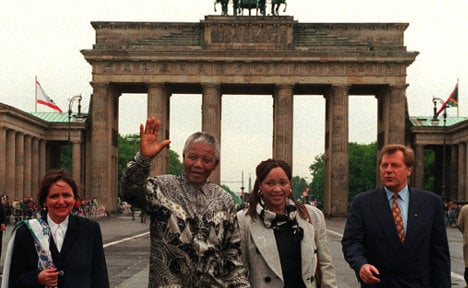 South Africa lukewarm over 'Mandela square'