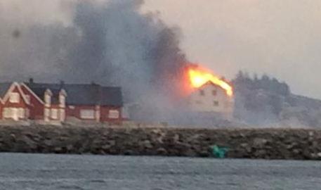Fire razes historic villages on Norway coast