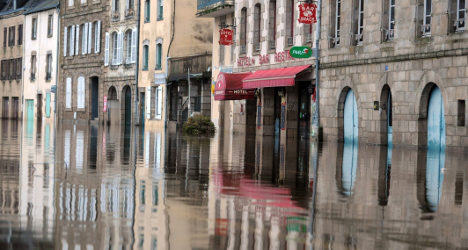 Red flood alert as storm lashes France