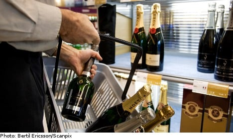 Government to tighten up e-booze sales law