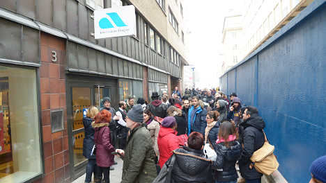 Chaos after jobs agency invites 61,000 to meeting