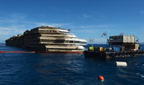 Spanish diver dies during Costa Concordia salvage