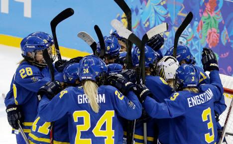 Sweden struggle to climb women's hockey ladder