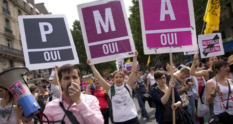 Hollande's u-turn shows 'disdain for lesbians'