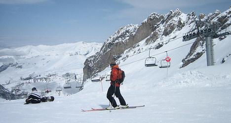 Two killed in crashes on French ski slopes