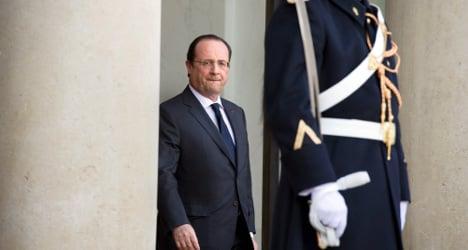 Hollande vows to help Nigeria fight extemists