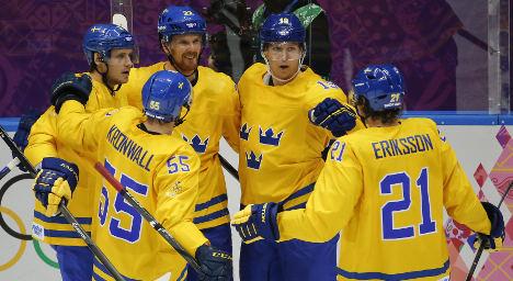 Sweden thrash Slovenia in hockey quarter final