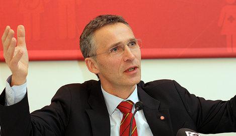 Novelist 'accuses' ex-Norway PM of murder