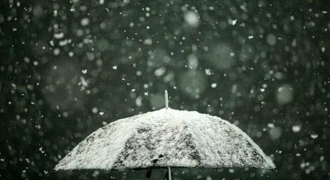 Heavy snowfall sweeps across Sweden