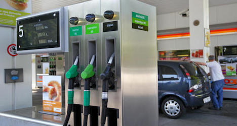 Minister eyes fuel price hike to pay for roads