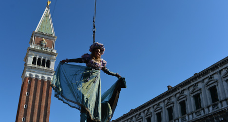 'Flight of the angel' launches Venice Carnival
