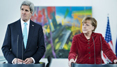 Merkel backs Kerry's US Middle East peace bid