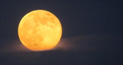 Spanish scientists film massive lunar smash
