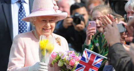 Queen Elizabeth to meet Pope Francis in Rome