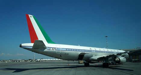 Alitalia flight struck by lightning bolt
