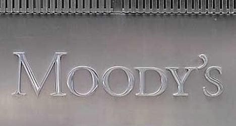 Moody's: Swiss migrant vote 'credit negative'