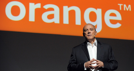 Orange: Hackers nab data from 800,000 clients