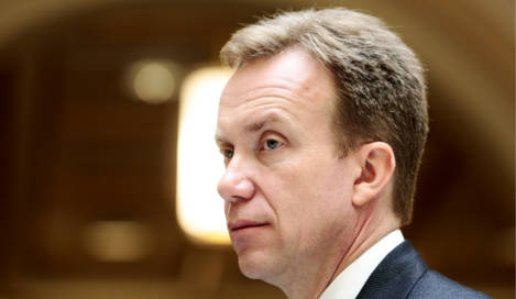 Norway pledges cash to Ukraine if it fights graft