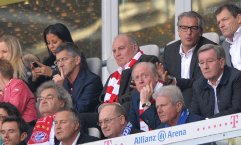 Hoeneß attends first game since conviction