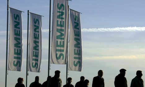 Siemens 'to invest long-term in Russia'