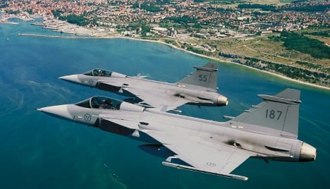 Sweden sends jets to Baltic after Russian move