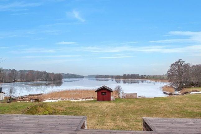 Swedes ratchet up hunt for summer houses